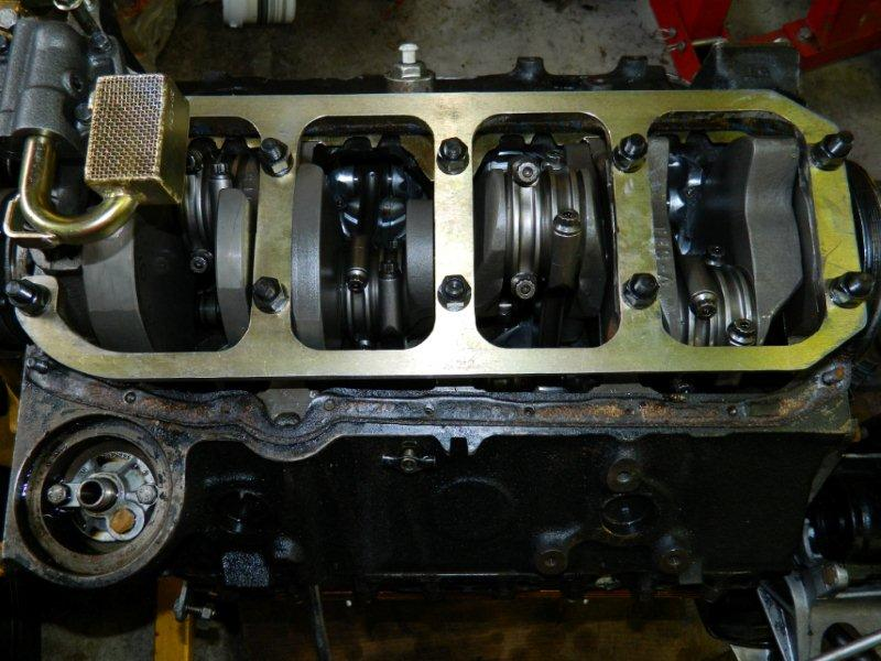 will a main girdle fit with the stock oil pan on gen1 sbc